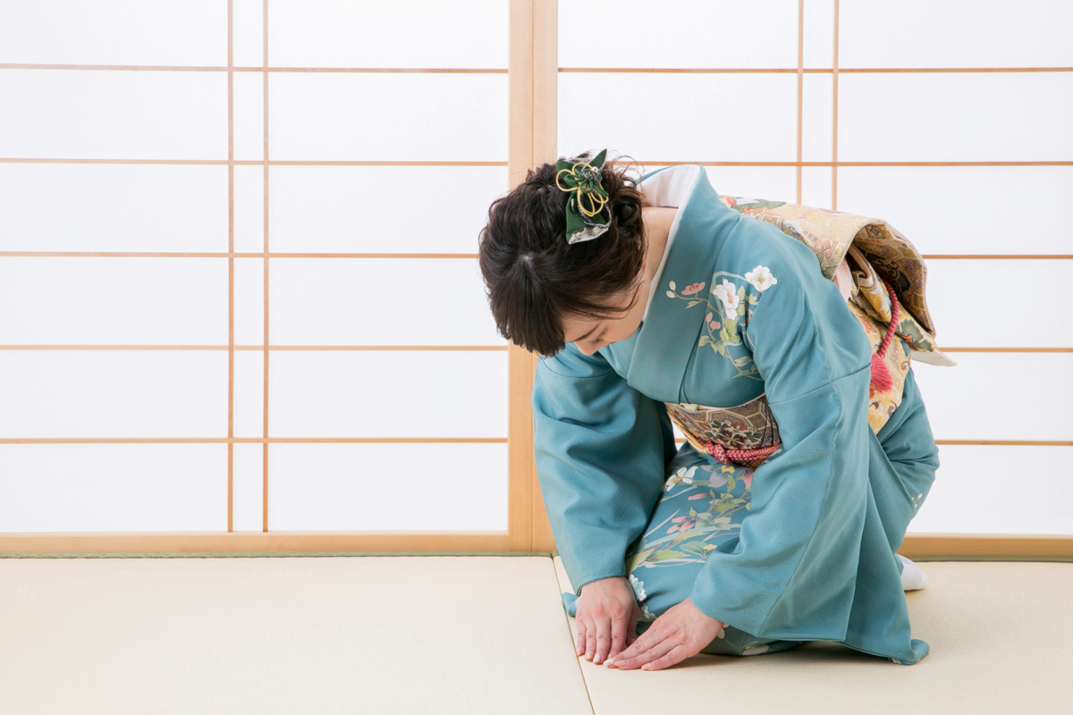 Bowing in Japan: The Right Bow for Every Occasion