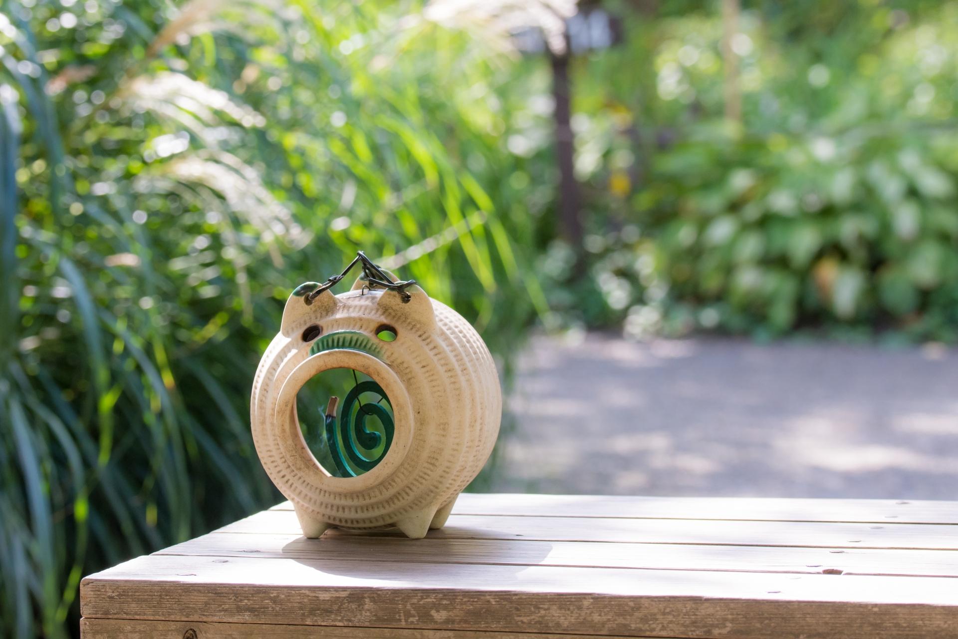 A classic pig-shaped incense burner.